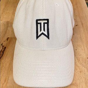 Nike Tiger Woods White Baseball Hat Flex Fit
